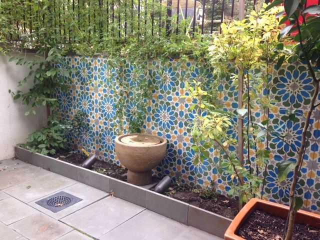 Keramik Dinding Teras Motif Bunga